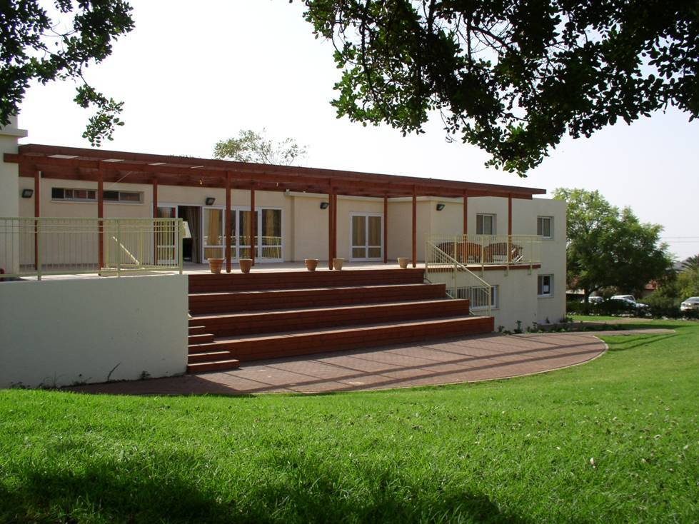 manof-terrace